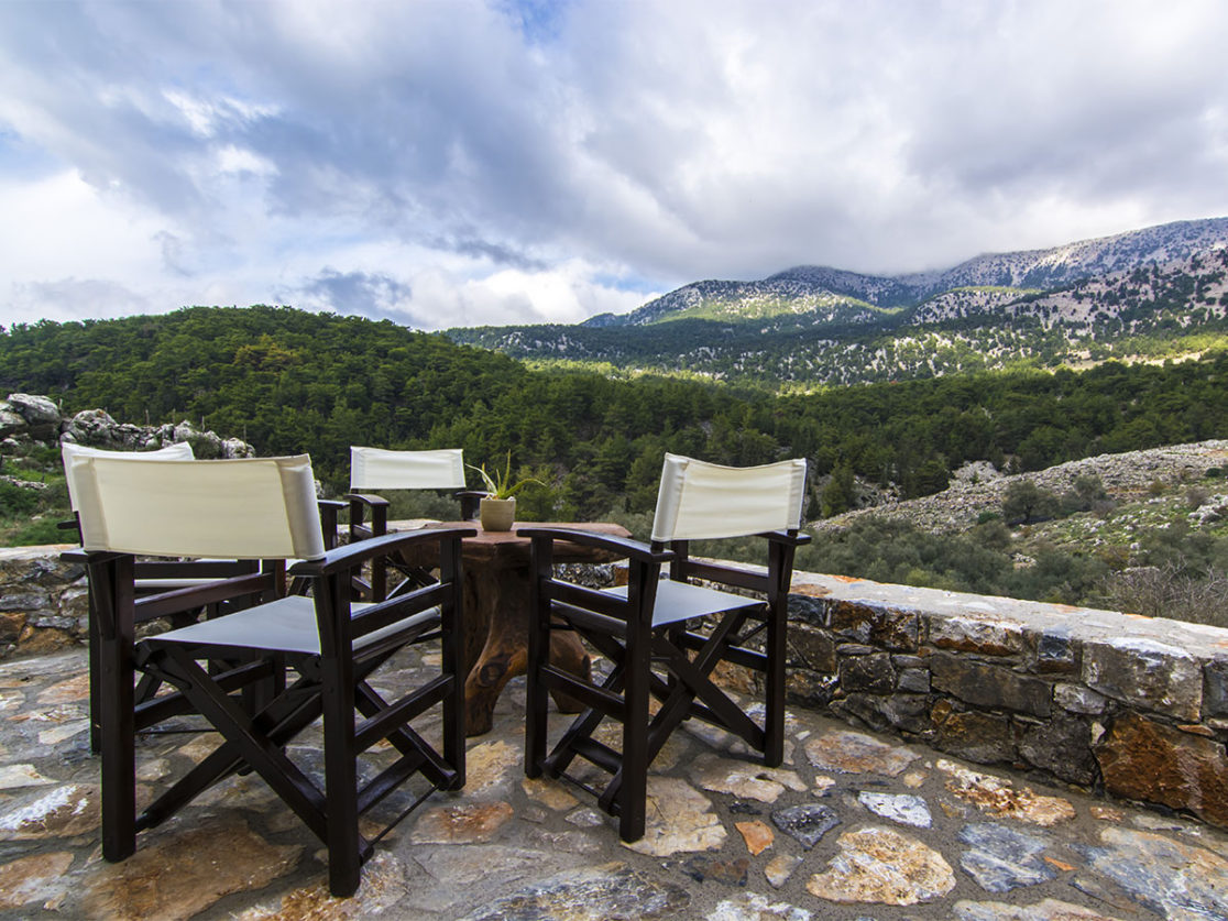 ALONIA-GUEST-HOUSE-MOUNTAIN-VIEW-1116×837