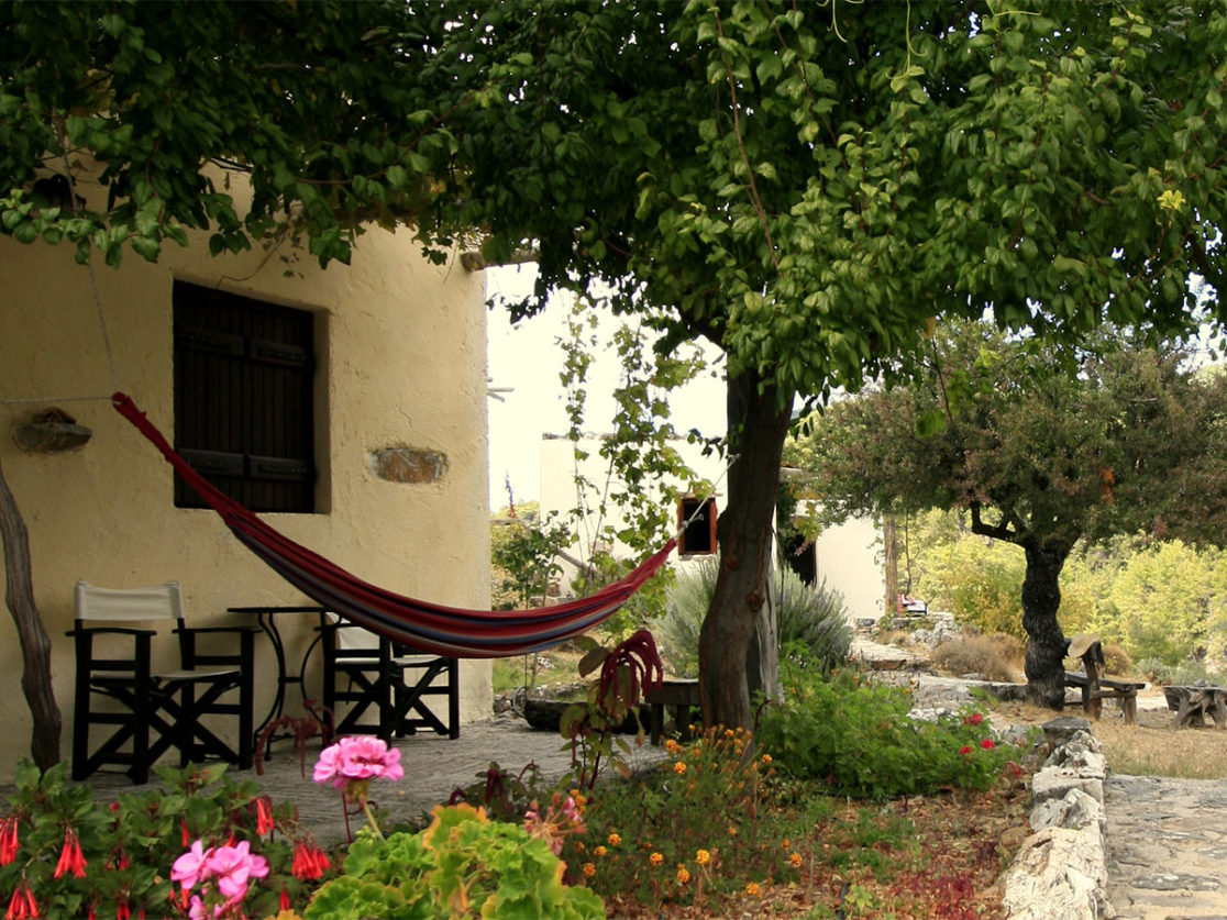 RELAX-AT-ALONIA-GUEST-HOUSE-SFAKIA-1116×837